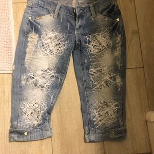 Destroyed darling D&G cropped jeans